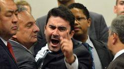Na votação do impeachment de Dilma, filho do ex-secretário defendeu 'decência e