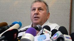 Candidato à presidência da Fifa, Zico quer debate com adversário em