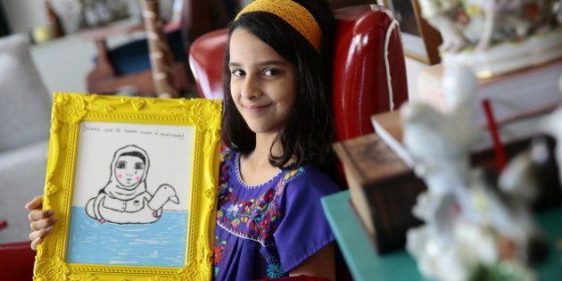 Ela vai usar todo o dinheiro que ganhar com seus desenhos para ajudar refugiados no