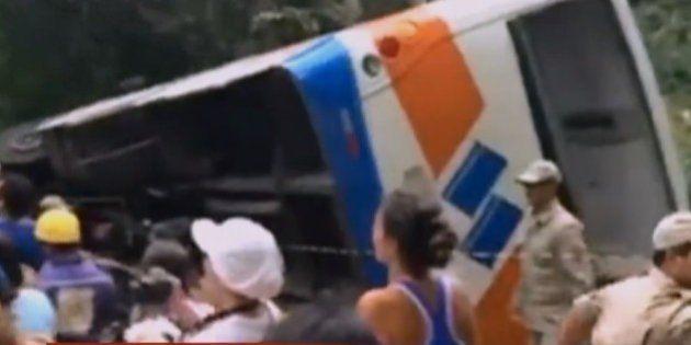 Acidente com ônibus em Paraty deixa ao menos 15