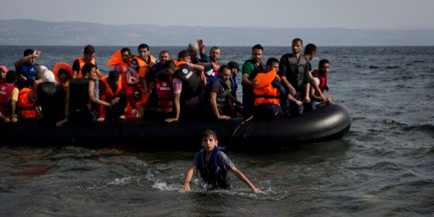 Ilha grega está 'prestes a explodir' com fluxo de refugiados, diz