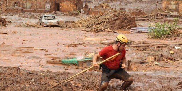 Sobe para nove o número de mortes confirmadas pelo rompimento da barragem da Samarco em Bento