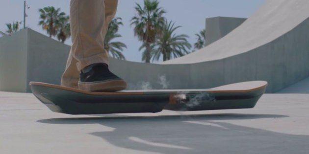 O skate voador do 'De Volta Para o Futuro' está próximo de virar