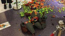 Artista fez escultura de Lego de R$ 54 mil. 1 hora depois, uma criança deixou ela