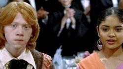Atriz de 'Harry Potter' reaparece BEM diferente e dá recado para quem não