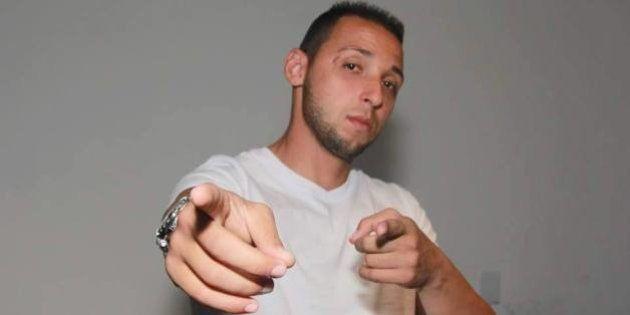 Autor de 'Mais de 20 Engravidou', MC Smith nega incentivar violência contra