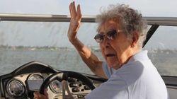 Velhinha de 90 anos troca quimioterapia por volta ao