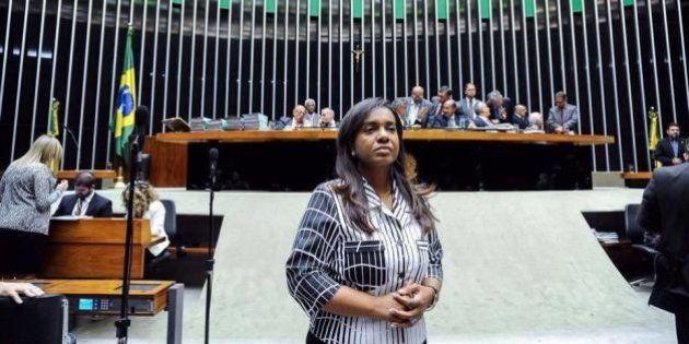 Deputada Tia Eron sugere voto decisivo por cassação de