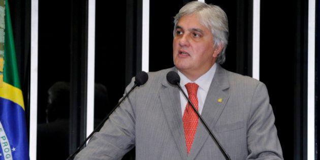 Senador Delcídio Amaral (PT-MS) diz que Brasil precisa debater geração e custos da energia Foto: Waldemir...