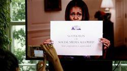 Em vídeo, Michelle Obama libera selfies de visitantes na Casa