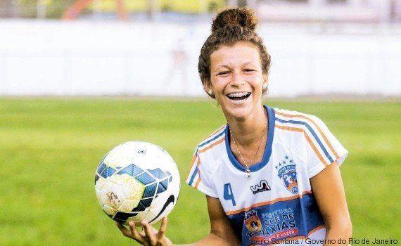 Roberta Santos, de craque da Taça das Favelas no Rio de Janeiro para a seleção feminina
