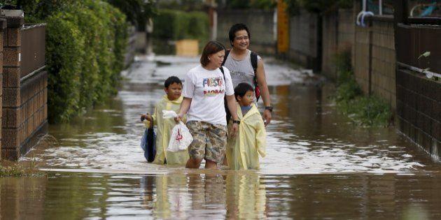 Japão determina retirada de milhares de pessoas de suas casas devido a inundações sem