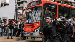 Pelo 2° dia seguido, PM reprime protesto de estudantes com bombas em São