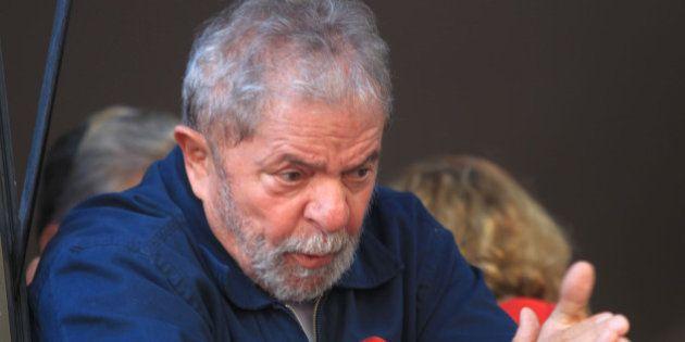 Lula diz que perda do grau de investimento não significa
