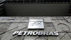 Agência retira selo de bom pagador da Petrobras e rebaixa nota de 31 empresas