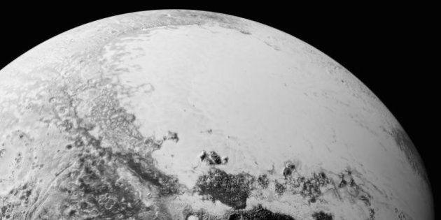 NASA divulga as primeiras imagens de Plutão desde o sobrevoo da sonda New