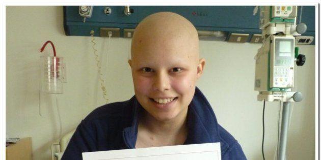 Con su diploma porque no recibirá más quimioterapias