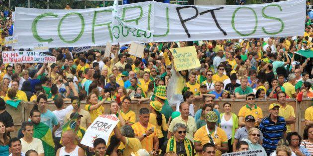 Brasil nas ruas: Grupos pró impeachment marcam manifestação no dia 13 de