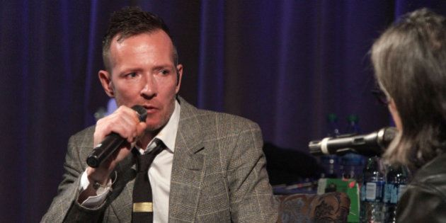 LOS ANGELES, CA - OCTOBER 05: Singer Scott Weiland speaks onstage at An Evening With Scott Weiland at...
