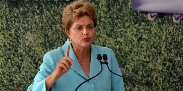 Dilma Rousseff afirma que defenderá mandato 'com unhas e dentes' e diz que 'não vai