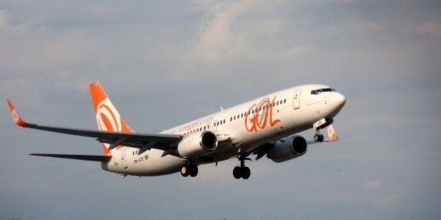 Boeing 737-800Lei do Direito Autoral nº 9.610, de 19 de Fevereiro de 1998: proibe a reprodução ou...