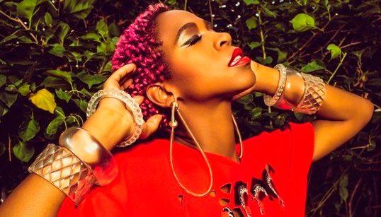 Karol Conka: 'No rap nacional, o mais difícil é ser respeitada como