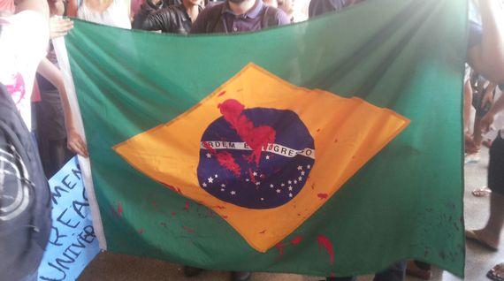 A manifestação contra a paralisação da UnB e a intolerância da