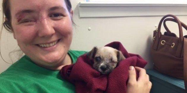 Mulher que levou tiro no olho adota cachorro que perdeu olho em