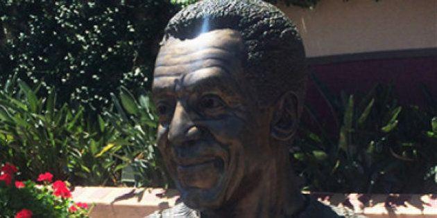Após confissão de Bill Cosby sobre casos de estupro, parque da Disney retira estátua do