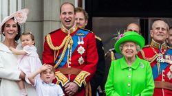 A Rainha Elizabeth fez 90 anos, mas a princesa Charlotte roubou a
