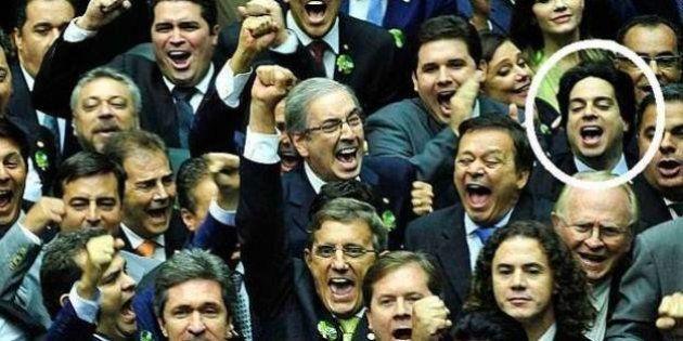 Aliado de Cunha, deputado que chamou Conselho de Ética de 'suruba' pode estar envolvido em falsificação...