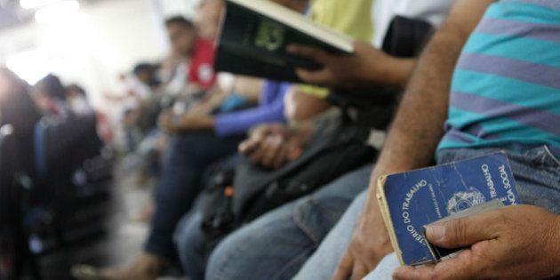 Taxa de desemprego sobe a 8,1% no trimestre encerrado em maio, maior da série, diz