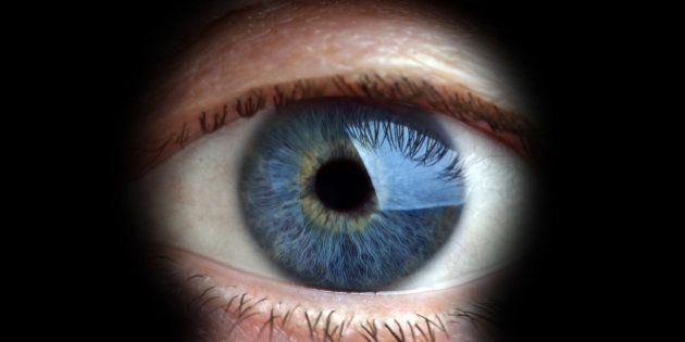 Cuidado com o projeto de lei que ataca a sua privacidade e a liberdade de