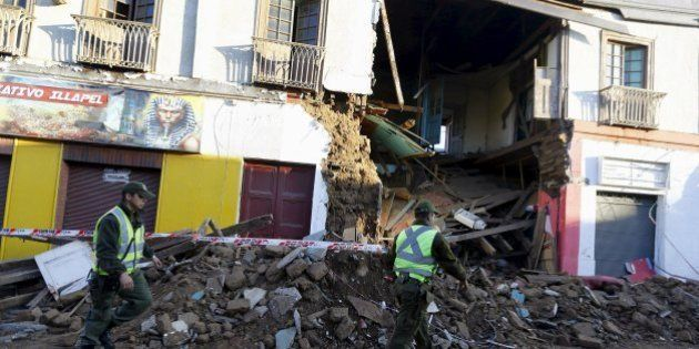 Chile suspende alerta de tsunami para país inteiro após tremor que deixou oito