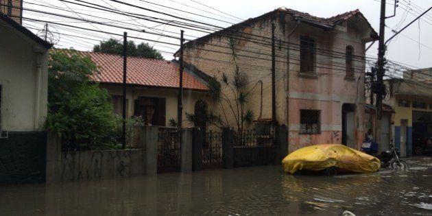 Chuvas deixam ao menos 15 mortos e 13 feridos na Grande