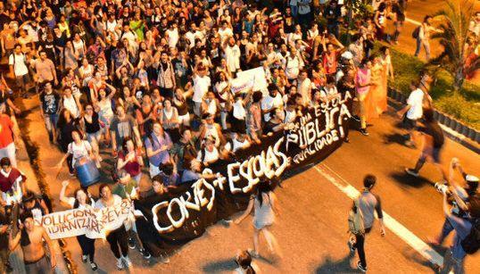 #OcupaEscola: Milhares de estudantes fazem protesto contra fechamento das escolas de