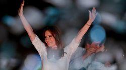 Após oito anos, Cristina Kirchner se despede da Presidência da