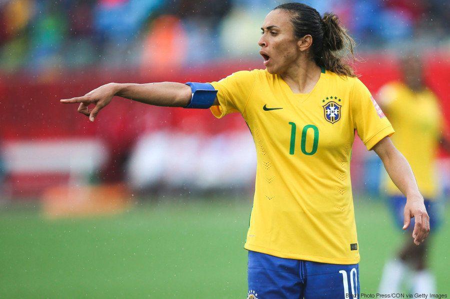 O passo a passo de Marta para superar Pelé como maior artilheira do