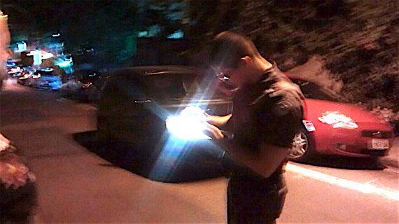 Homem agride mulher e polícia diz não poder fazer