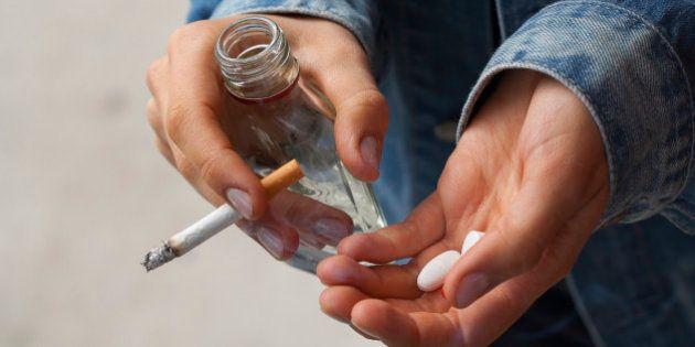 Cigarro pode aumentar risco de esquizofrenia, aponta