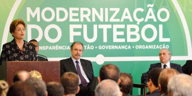 Com regras mais frouxas, MP do futebol é aprovada no