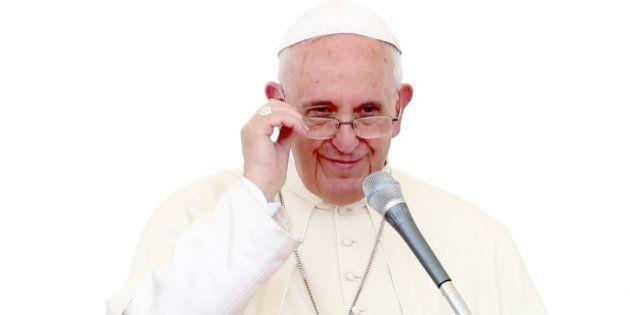 Papa Francisco chega para visita histórica a Cuba