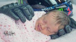 Ensaio emocionante retrata bebê deitada nas luvas do pai que