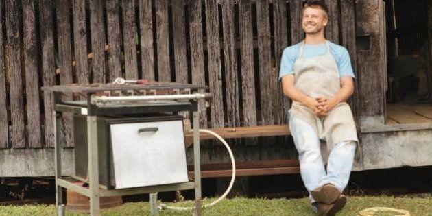 Rodrigo Hilbert gera polêmica ao abater filhote de ovelha em programa de