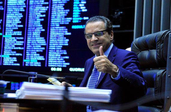 Ministro do Turismo, Henrique Eduardo Alves pede demissão após ser citado na Lava