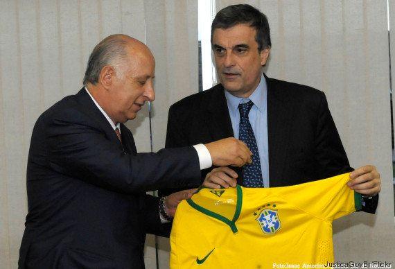Fifa quer indenização de R$ 20 milhões... por corrupção de ex-presidentes da
