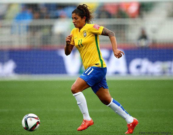 Cristiane brilha, marca 5 gols e Brasil vence Equador por 7x1 no