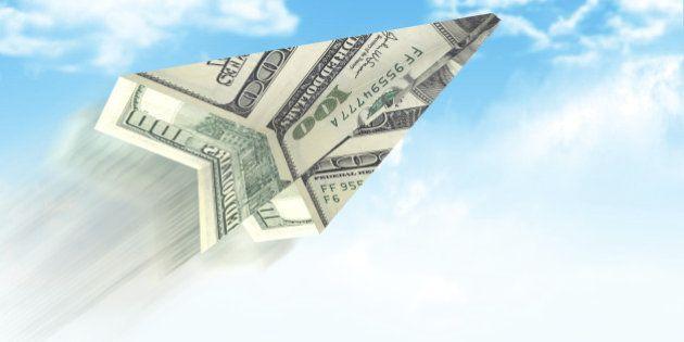 Dólar fecha em alta pela 3ª sessão consecutiva e bate R$