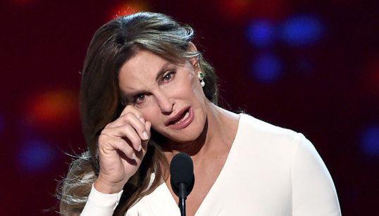 Catilyn Jenner: 'Pessoas trans merecem algo vital. Merecem o seu