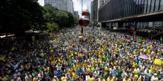 Menor, mas presente em muitas capitais. Como foram as manifestações pelo impeachment de Dilma
